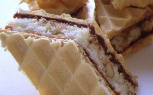 Retete Culinare - Deliciu cu napolitana