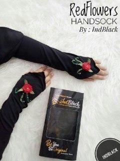 In-Black spesifikasi1. Nama Brand: In-Black LOVEsock2. Harga: IDR60.0003. Kain: Jersey plus aksesori4. Panjang: 32CM
