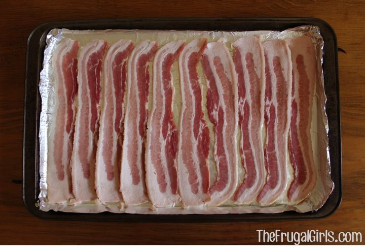 Cooking Bacon in the Oven. 375 for 15-20 min. Place in cold oven set oven and timer. Watch  carefully at the end so it doesn't over cook.
