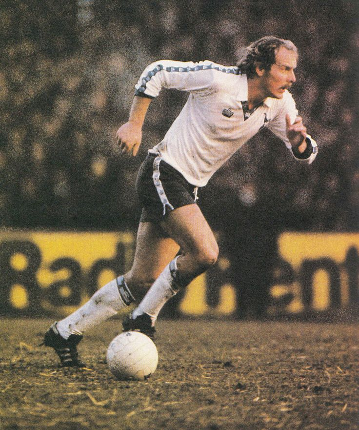Circa 1979/80. Former Leeds United, Coventry City and Wales midfield player Terry Yorath in the colours of Tottenham Hotspur.