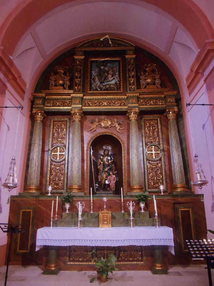 Retablo y Altar Mayor. Ermita de San Roque. La imagen de San Roque es del siglo 1716