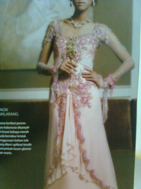 Ethnic+Wedding+dress | indonesian ethnic dress: Kebaya Modern And Traditional Wedding Gowns ...