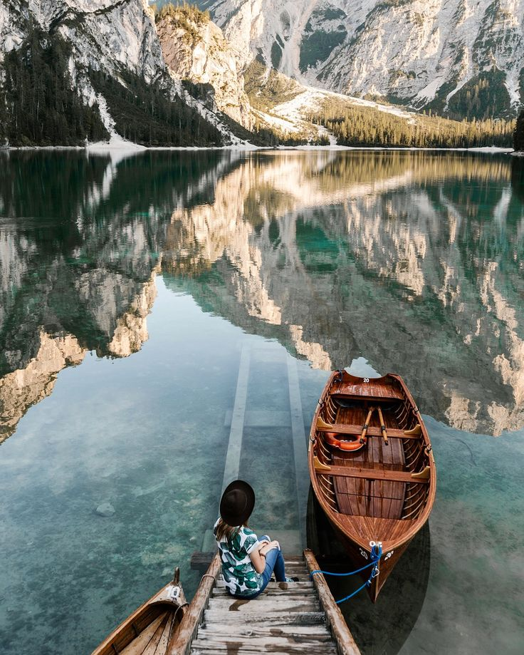 The most beautiful Lago di Braies, Italy. photo by @terumenclova