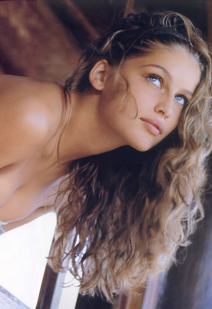 Sports Illustrated (late 90s) Model: Laetitia Casta