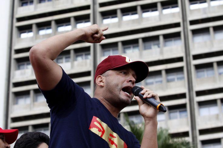 Acto en Caracas por victoria popular de Hugo Chávez hace un año. (AVN)