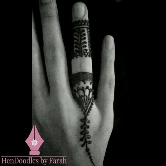 Structure and tradition.  #hendoodlesbyfarah • www.hendoodlesbyfarah.com
