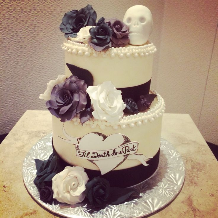 best 25 skull wedding cakes ideas on pinterest gothic wedding cake skull cakes and rocker. Black Bedroom Furniture Sets. Home Design Ideas