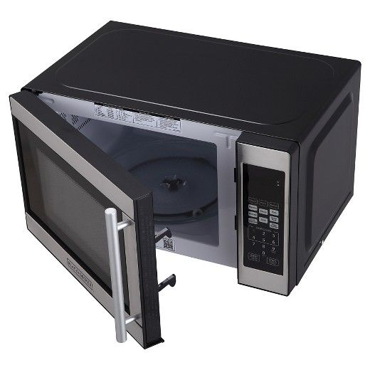 • 700 watts<br>• 11 power levels<br>• 6 quick-set menu buttons<br><br>The BLACK + DECKER 0.7 Cu. Ft. 700 Watt Microwave Oven in Black EM720CPN-P has electronic controls with LED display. The countertop microwave also has a weight and time defrost setting.