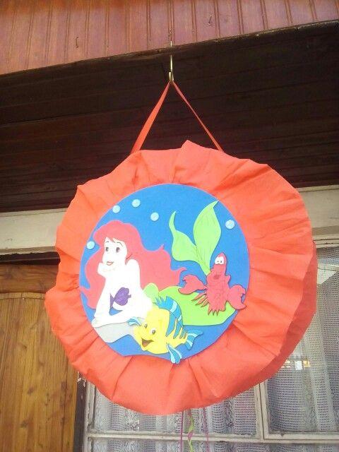 Piñata sirenita en foamy