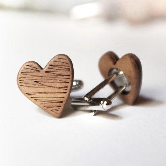 Gemelli in legno per lo sposo o testimoni di di DARQCREATIONS