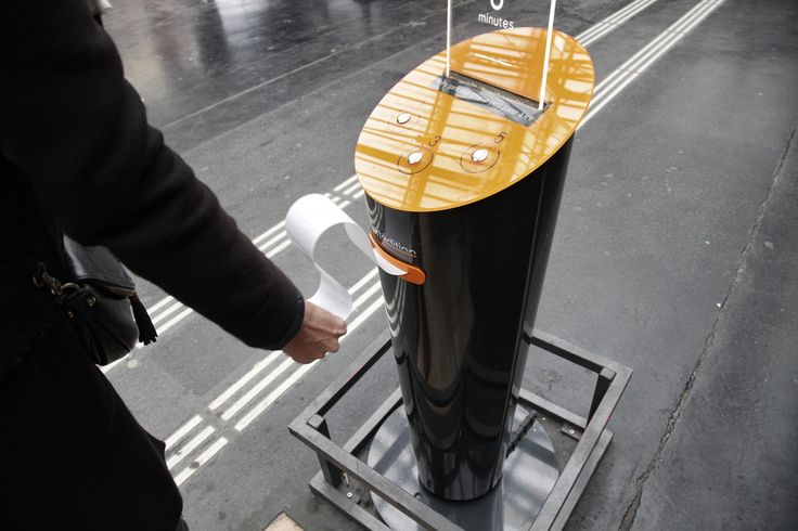 Une histoire courte pour la route ?Dans les stations-service et les gares, des distributeurs automatiques proposent des textes brefs d'Hugoou de La Fontaine. Avec, comme premier fan, Francis Ford Coppola.