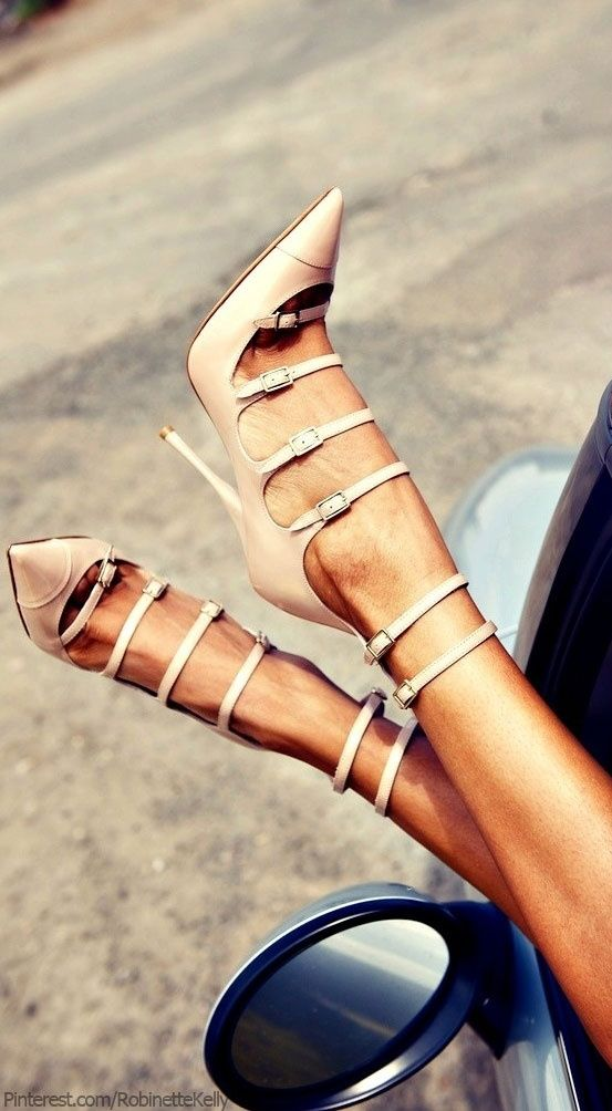 Totally impractical, winsomely charming. . .only long narrow  feet and skinny ankles need apply ♫ La-la-la Bonne vie ♪