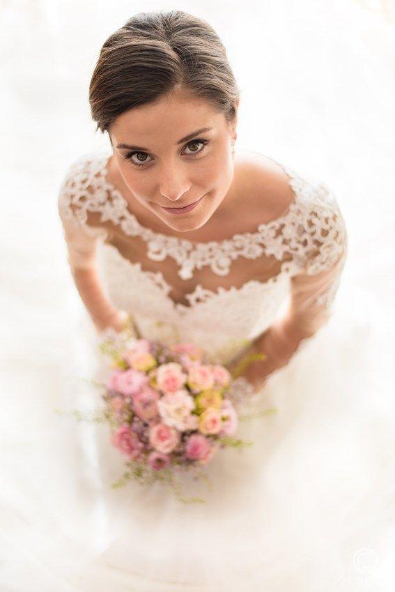 Je trouwdag nadert met rasse schreden en je wil die bijzondere dag ook liefdevol in beeld laten brengen? Natuurlijk wil je stralen op ieder fotomoment. Boek in één klap een bijzondere fotoreportage van #Chrisleunenphotography en een Discover- en make-up sessie van #PureSkin. Met onze bruidsmake-up word jij de meest betoverende bruid en je krijgt vooraf een gratis proefmake-up t.w.v. € 55. Boek ons nu.