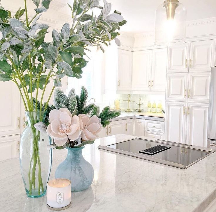 Are you ready faux this? Steal Priscilla Ventura's style notes with a stunning #MyHomeSense arrangement to add the lightest hint of colour to a bright white kitchen.
