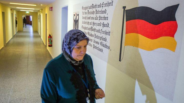 Mehr als in übrigen EU-Staten zusammen: 658.000 Menschen beantragen Asyl in Deutschland