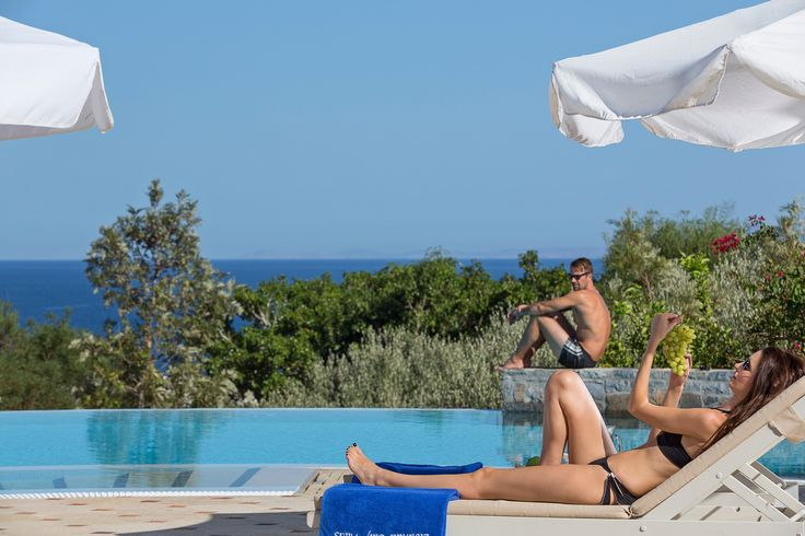 Hot #summer moments by the pool at #EloundaGulfVillas #Crete