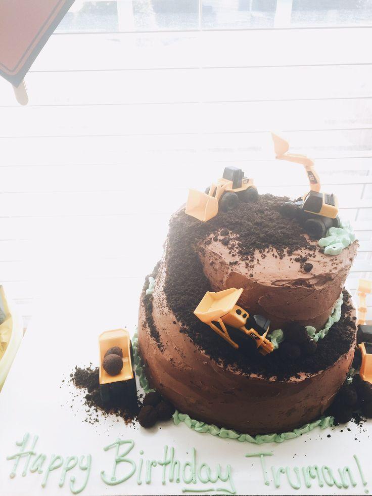 Toddler boy construction party bulldozer cake