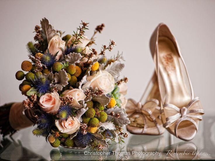 Brisbane Wedding Photography, gold wedding shoes, gold themed wedding flowers, Christopher Thomas Photography