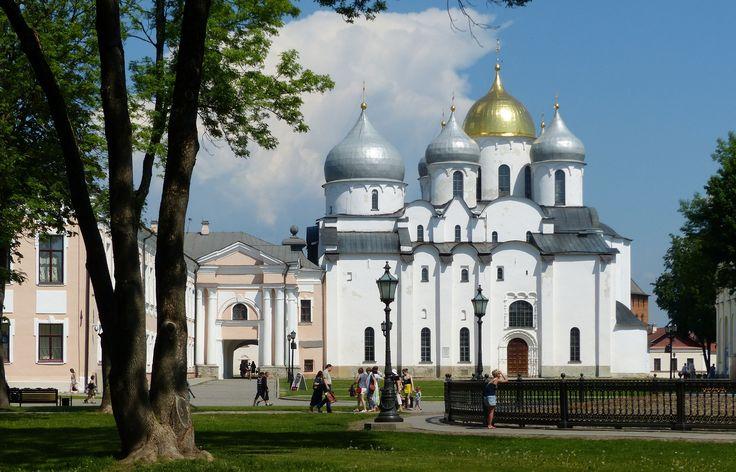 Sophienkathedrale_in_Weliki_Nowgorod,_Russland.jpg (3740×2401)