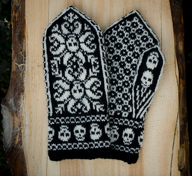 Ravelry: Project Gallery for Deathflake Chart pattern by Art Fiend