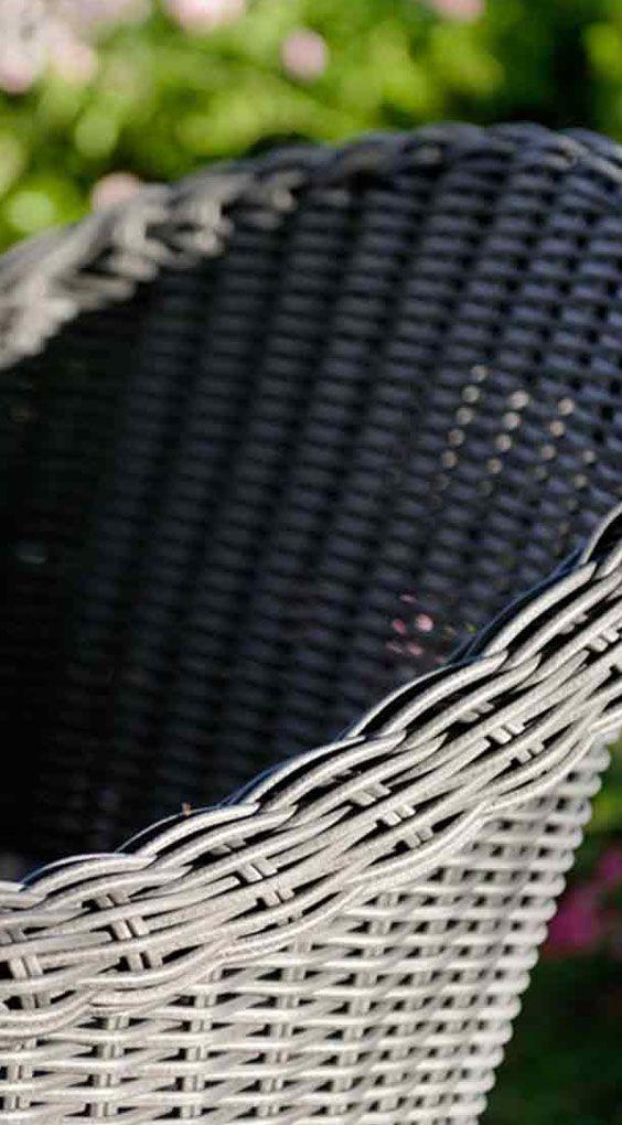 Geflechtstühle für den Garten | Diamond Garden Memphis Sessel in der Farbe Grau. Mehr Stühle für den Gartenbereich gibt's bei Garten-und-Freizeit.de https://www.garten-und-freizeit.de/diamond-garden-memphis-sessel-teakholz-geflecht-grau-inkl-kissen.html