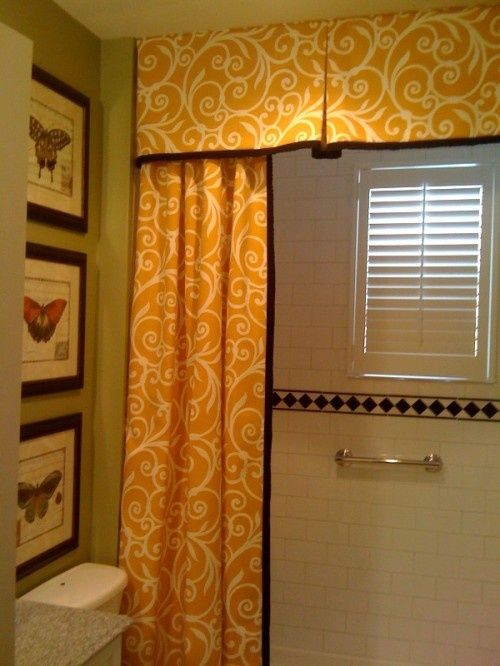 Love the idea of a shower curtain with a valance.