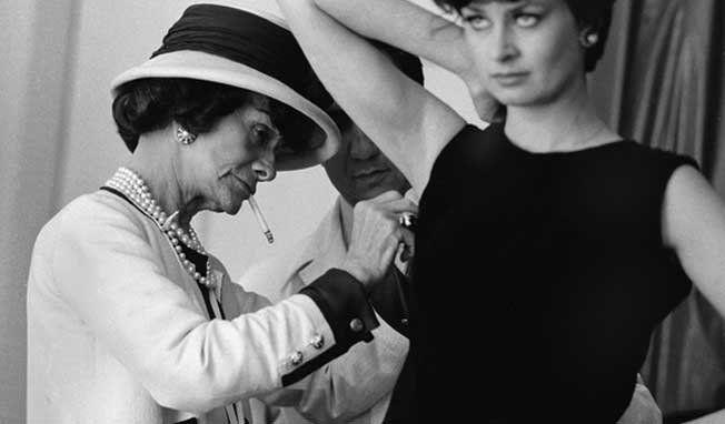 modèle habillé par chanel en 1962