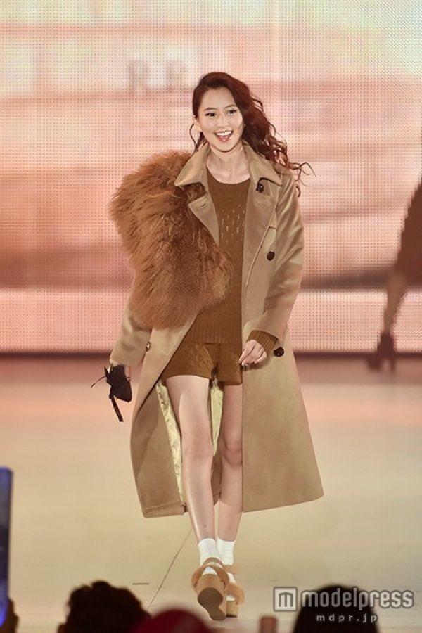 ファッションモデルの河北麻友子さん