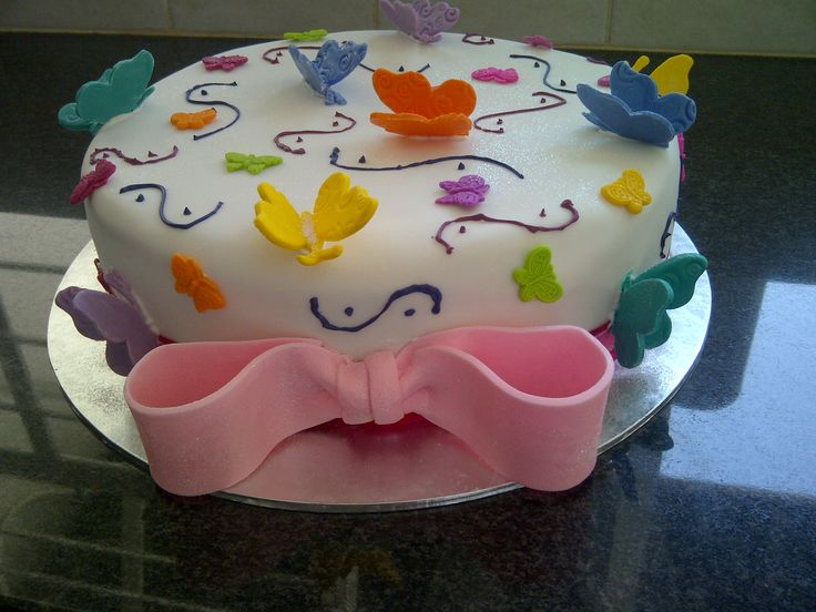 Butterfly cake with edible bow