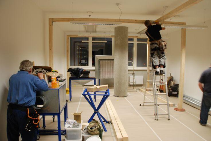 Stavba mobilní lakovny v kanceláři / Building of a mobile paint shop in the office, #oprava, #lakování, #dveře, #zárubně, #obložky, #repair, #Instandsetzung, #Reparatur