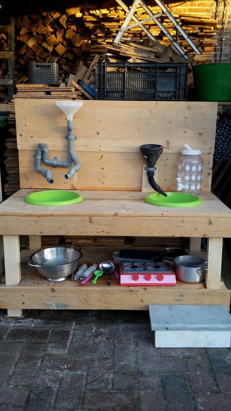 Buiten keuken voor kinderen