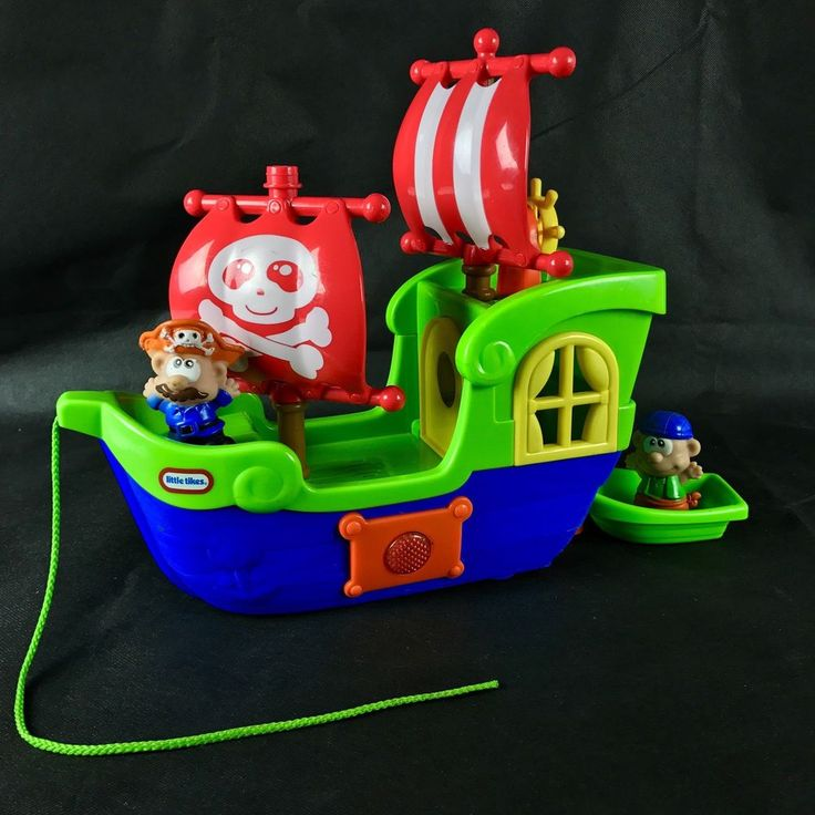 Little Tikes pull along Pirates Ship & dinghy 2 Figures Music Flashes Lights vgc