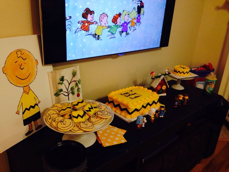 Charlie Brown Cake Table Charlie Brown Christmas