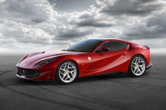 フェラーリは16日、3月に開催されるジュネーブ・モーターショーで、12気筒ベルリネッタの進化型「812 スーパーファスト」をワールド・プレミアすると発表した。史上最もパワフルなフロント・エンジンの跳ね馬だ。2012年に発表された「F12ベルリネッタ」とその高性能版限定車「F12TdF」の後を継ぐ812