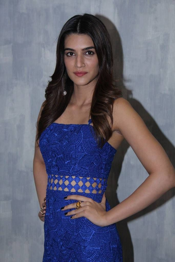 Kriti Sanon Photo Shoot Stills At Christmas & New Year Celebrations-05  #heroinephotos #heroineimages #actresshot #teluguheroines #teluguheroinesphotos #Tollywood #Bollywood #Kollywood #Hot #SouthCelebrities #style #beauty #fashion #Celebrities #Actress #indian #celebs #Telugu #TollywoodActress #KollywoodActress #BollywoodActress
