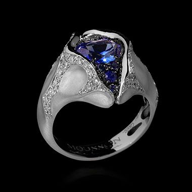 Mousson atelier, collection Heartbeat, ring, White gold 750, Sapphire 1,28 ct., Diamonds, Sapphires