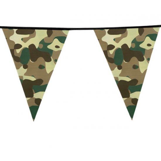 Camouflage vlaggenlijn 6 meter. Vlaggenlijn met groene legerprint op de vlaggetjes. De camouflage slinger is ongeveer 6 meter lang.