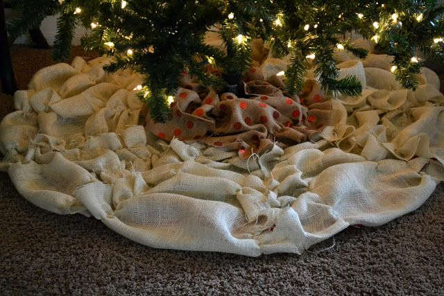 Bellapia Clothing Co.: NO SEW Bussled Burlap Christmas Tree Skirt