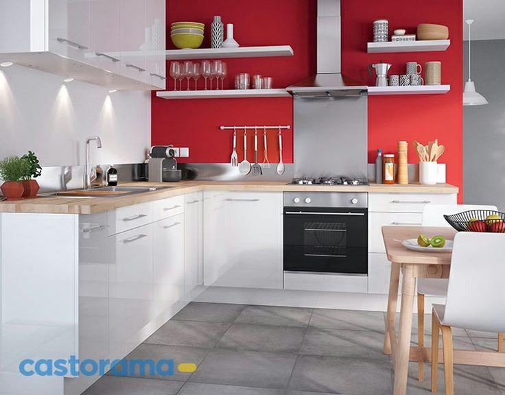 déco de cuisine élégante en rouge et blanc