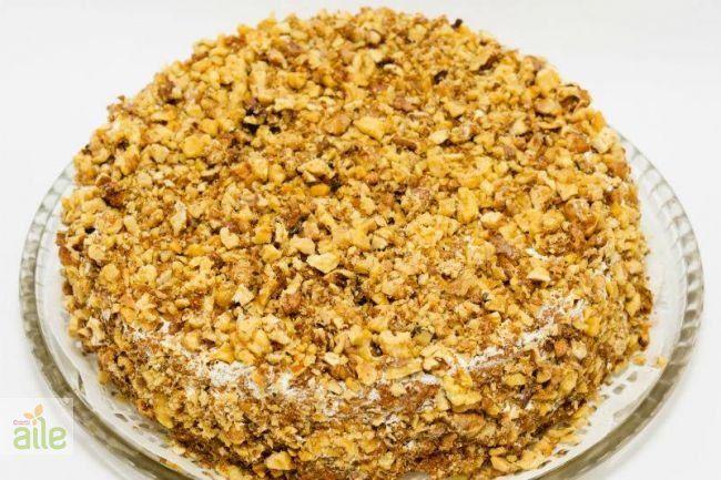 Yılbaşı pastası tarifi... Bu kabaklı enfes yılbaşı pastası sofranızın başköşesinde yer almalı. İşte tarifi! http://www.hurriyetaile.com/yemek-tarifleri/pasta-tarifleri/yilbasi-pastasi-tarifi_1928.html