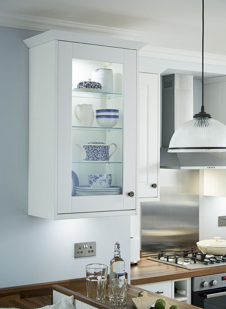 Create a backlit display area in your Shaker kitchen with our wall unit with glass front and shelves.  This one is part of the Burford Tongue and Groove range in white.  Take a look at Howdens for more ideas and inspiration.