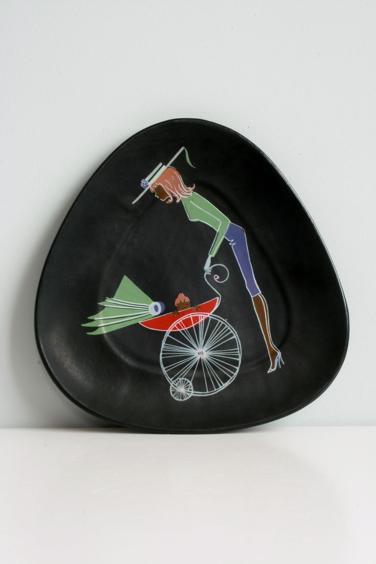 West Germany wall plate by Ü-Keramik, Teenager series design by Ursula Schonhaber 1950s