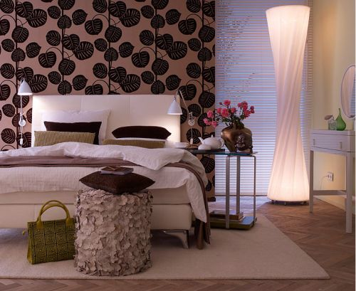 Pretty bedroom! Feeling the twist lamp stand.Bedrooms Décor, Bedrooms Design, Pretty Bedroom, Master Bedrooms, Floors Lamps, Bedrooms Inspiration, Bedrooms Decor, Bedrooms Ideas, Beautiful Bedrooms