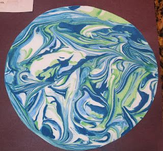 Shaving Cream Marble Painted Earth: Cool Earth Day art project!