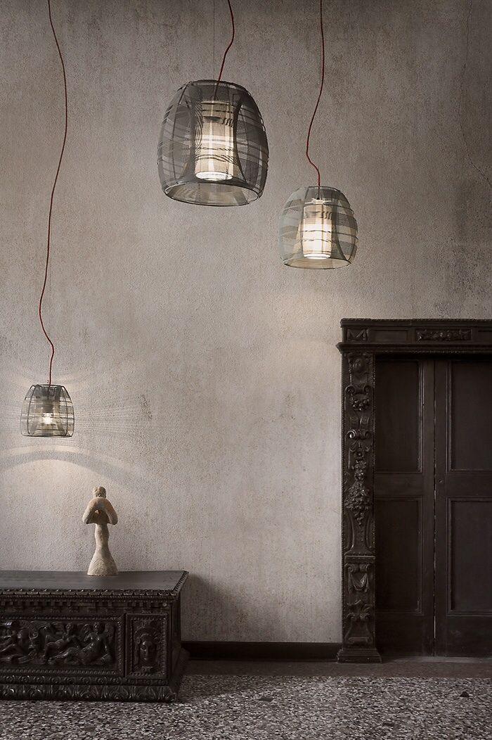 Il design dei lampadari a sospensione in un set creato ad arte dallo Studio Auber Photo: www.auber.it