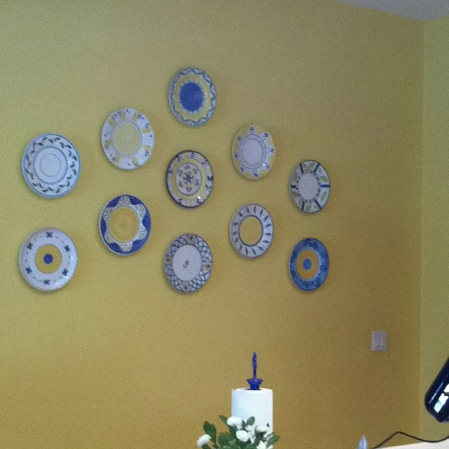 Decorative Wall Plates Kitchen : Decorative plates on the kitchen wall for home