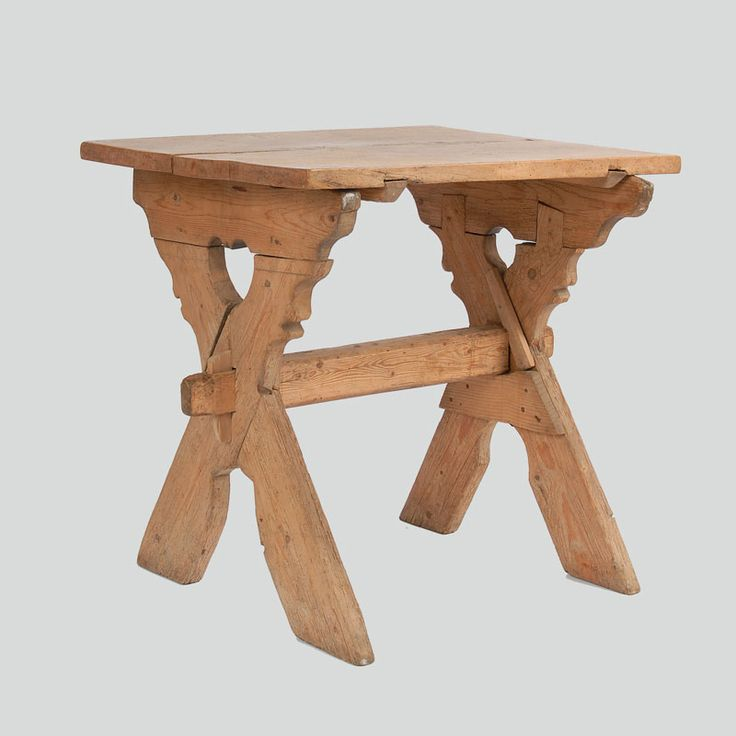 Trestle table with sycamore wood top. In the upper part, the so-called policzek, with an openwork heart motif.  Ratułów, P. Nowy Targ, early 20th c.