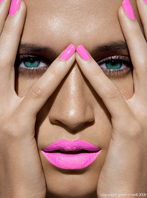 Gorgeous! I love everything about this <3 The lips,nails, skin and stunning eyes. The blue/green eyes and neon pink nails and lips = speechless! #prettyeyes #neon