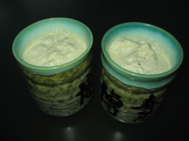 Vihreä tee (matcha) pirtelö