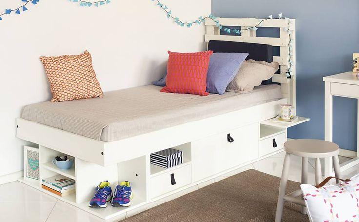 Designers usam caixotes e estrados de madeira para fazer móveis